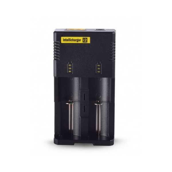 De Nitecore i2 oplader is een chargers voor twee 18650 batterijen. Hij is beveiligd tegen omgekeerd plaatsen van de batterijen en overladen.