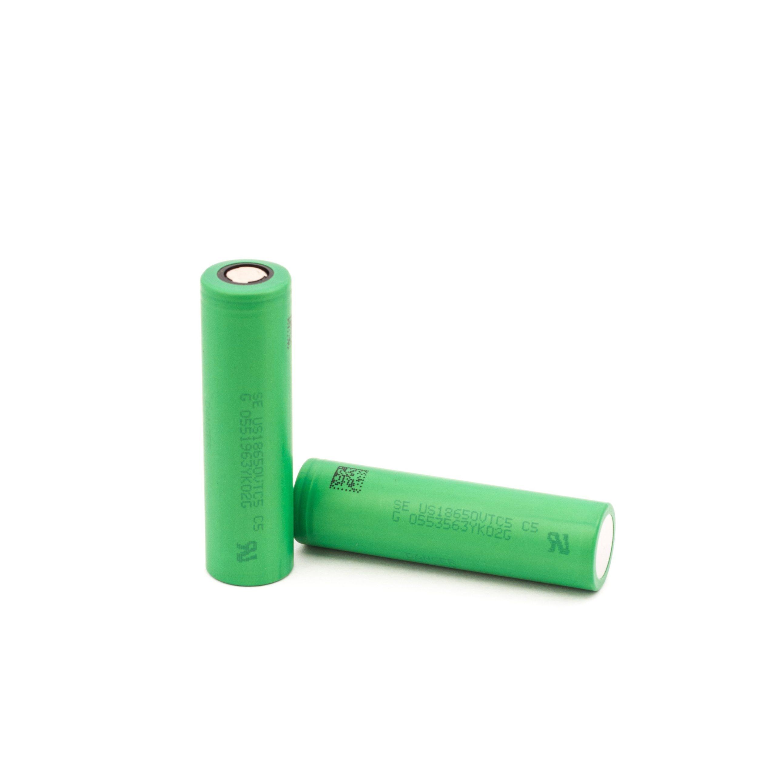 De Sony Konion US18650 VTC5 is een flat top batterij met vermogen van 2600mAh en rating van 30A.
